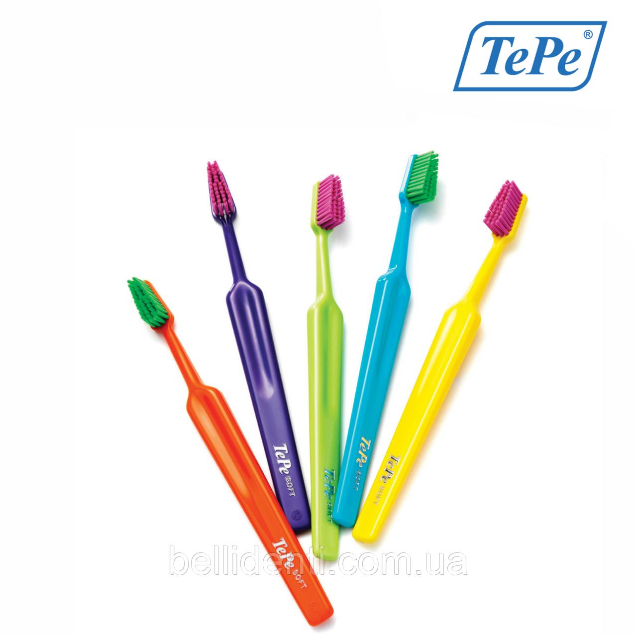 Зубная щетка TePe Select Colour Soft (мягкая)