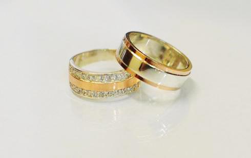 514c7ade0501 Серебряные обручальные кольца с накладками золота (Обр6002к) Пара ...