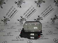 Блок предохранителей MERCEDES-BENZ W221 s-class (A2215402250)