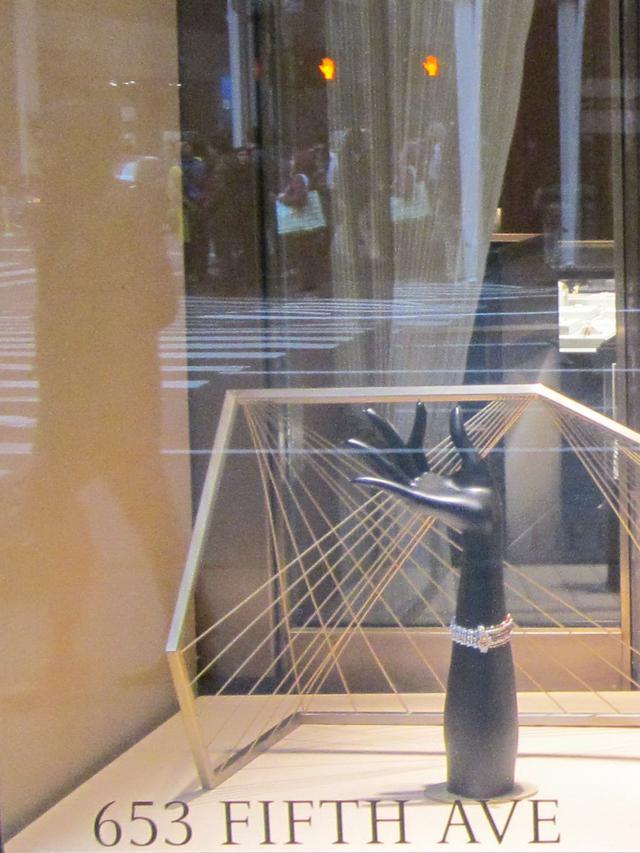 Раздел Туники - фото teens.ua - Нью-Йорк,магазин Cartier,5 авеню