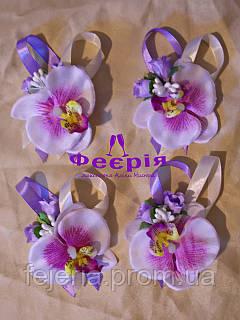 Бутоньерка свидетедям фиолетовая