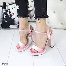 Розовые босоножки на каблуке, фото 3