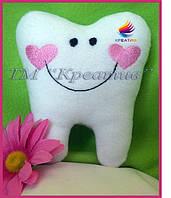 Подушка игрушка зуб с Вашим логотипом (под заказ от 100 шт)