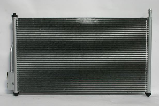 Радиатор кондиционера Ford Focus 1998-2004 620*365 (без осушителя) KEMP
