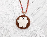 Кулон ручной работы Медведь белый большой на коричневом войлоке, фото 1