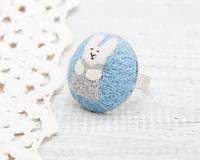 Кольцо ручной работы Кролик серый на голубом войлоке, фото 1