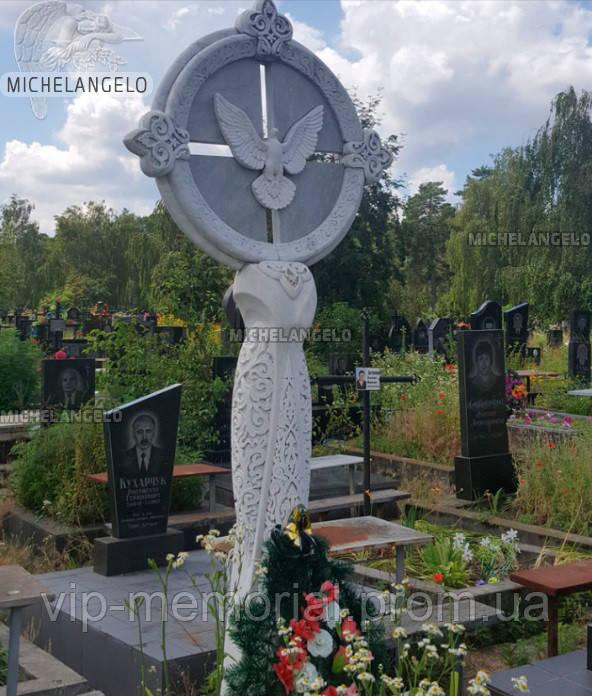 Памятники из серого гранита