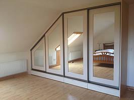 Шкаф в мансарду с зеркалами