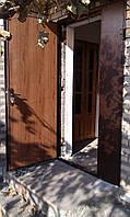 Металлическая двухстворчатая дверь с порошковой покраской и  отделкой пластик