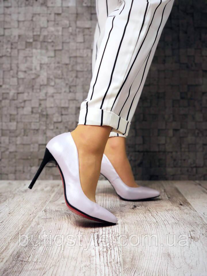 35 размер! Красивые нежно-лиловые  туфли лодочки , натур.кожа