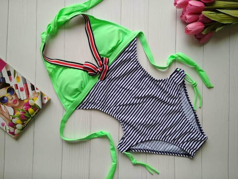 Сдельный полосатый купальник для девочки с открытой спинкой 34-40 р