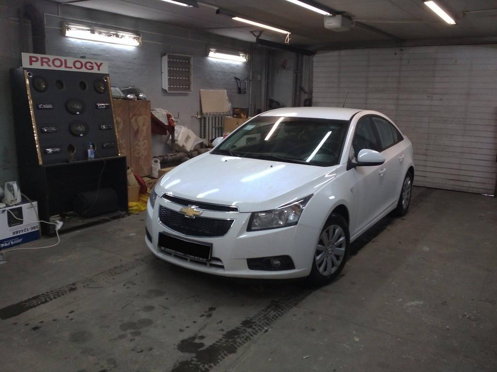 Chevrolet Cruze 2013 г Зеркало с видеорегистратором ParkCity DVR HD 900