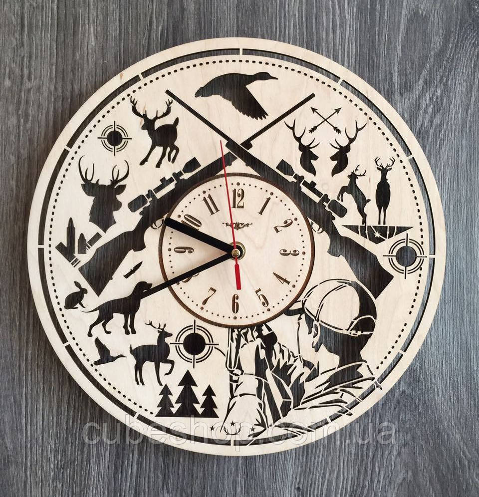"""Деревянные настенные часы """"Охота"""""""