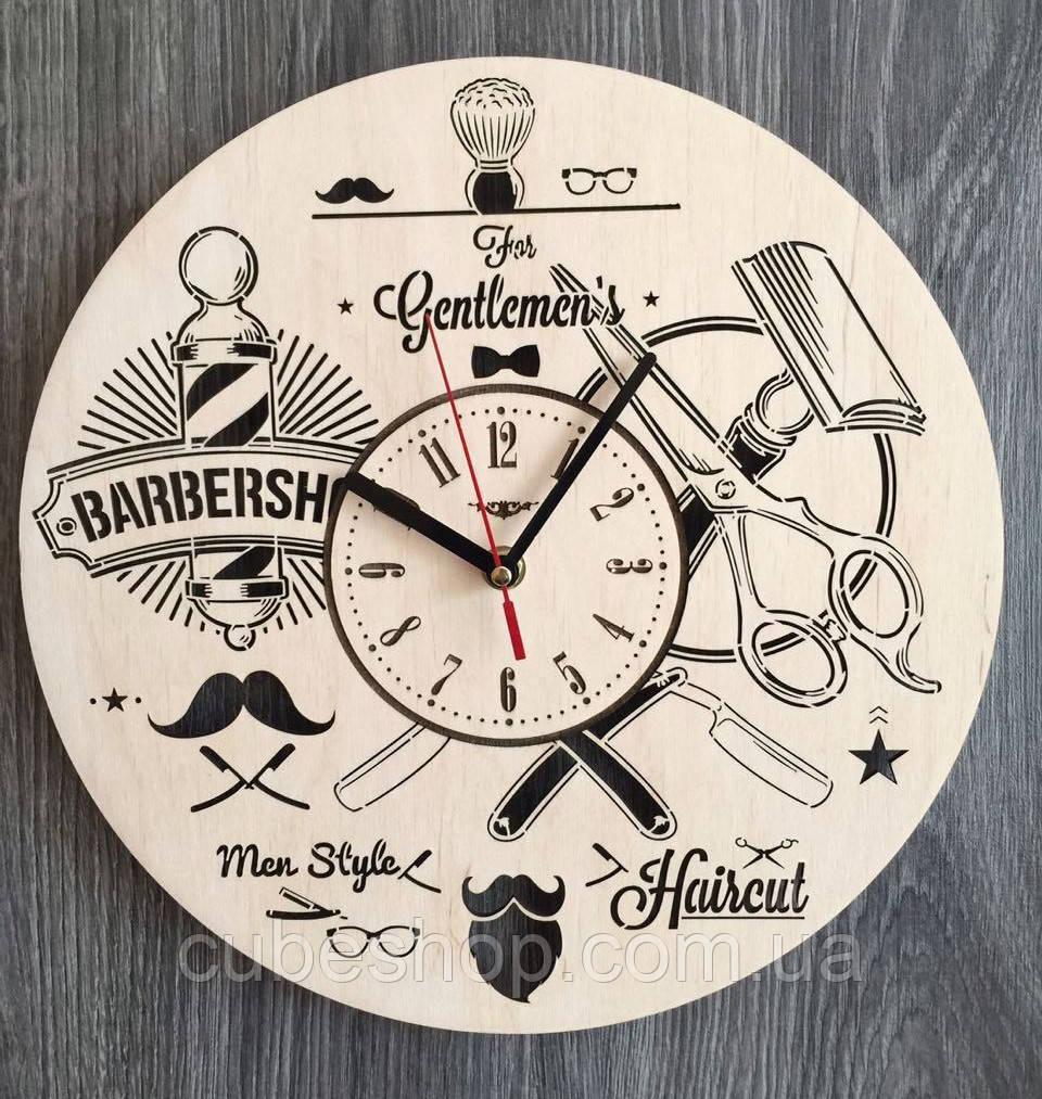 """Деревянные настенные часы """"Инструменты парикмахера"""""""