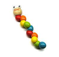 Детская игрушка из дерева Гусеница