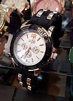 Часы женские стильные Guess черные с золотом кварцевые B248