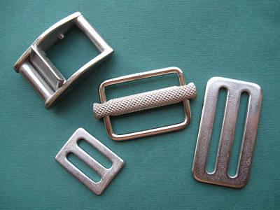 Ремни и комплектующие для строп и ремней : пряжки, крючки, карабины
