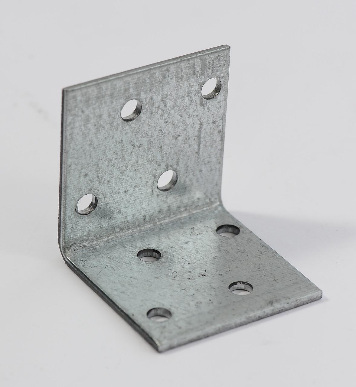 Уголок равносторонний 40х40х40 х 2,5 мм