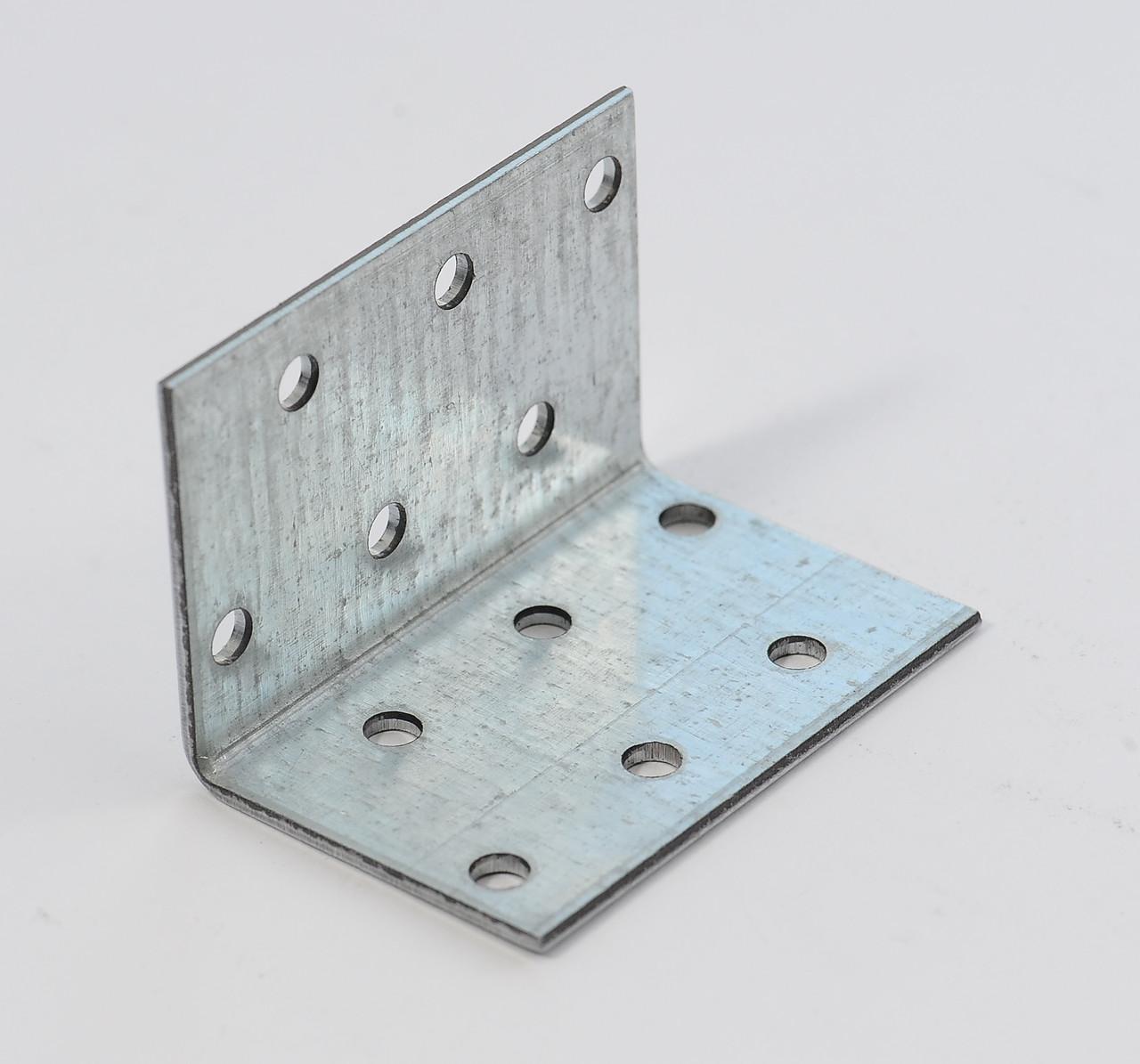 Уголок равносторонний 40х40х80 х 2,5 мм