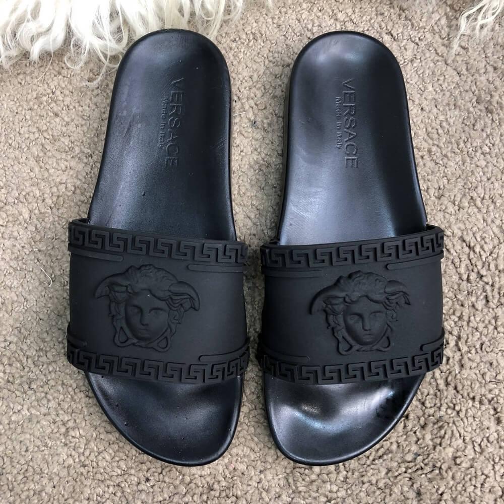 0e9d9b87c19 Шлепанцы мужские Versace 18012 черные - Брендовая одежда от интернет-магазина  «Trendy Shop»