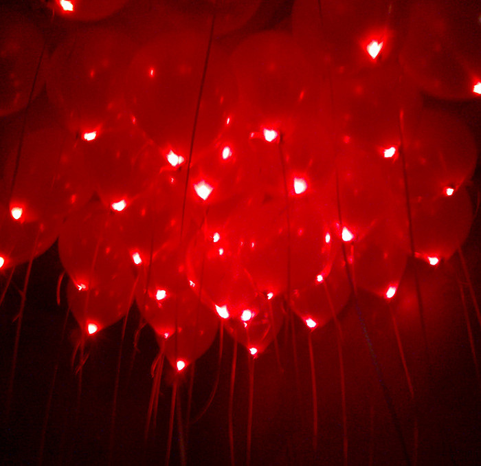 шар светящийся красный с гелием 30 см.