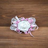 Бутоньерка бело-розовая на руку (арт BUT-H-003)