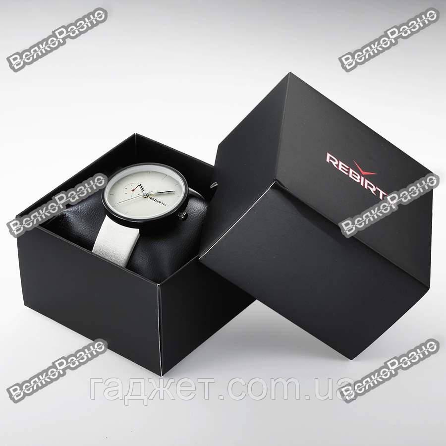 Подарочная коробка для часов. Коробочка под часы. Картонная коробочка.
