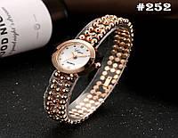 Женские часы золотистого цвета Lupai (252)