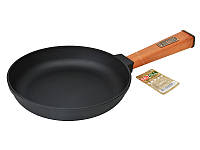 Сковорода чугунная 22 см с деревянной ручкой Brizoll Оптима О2240-Р