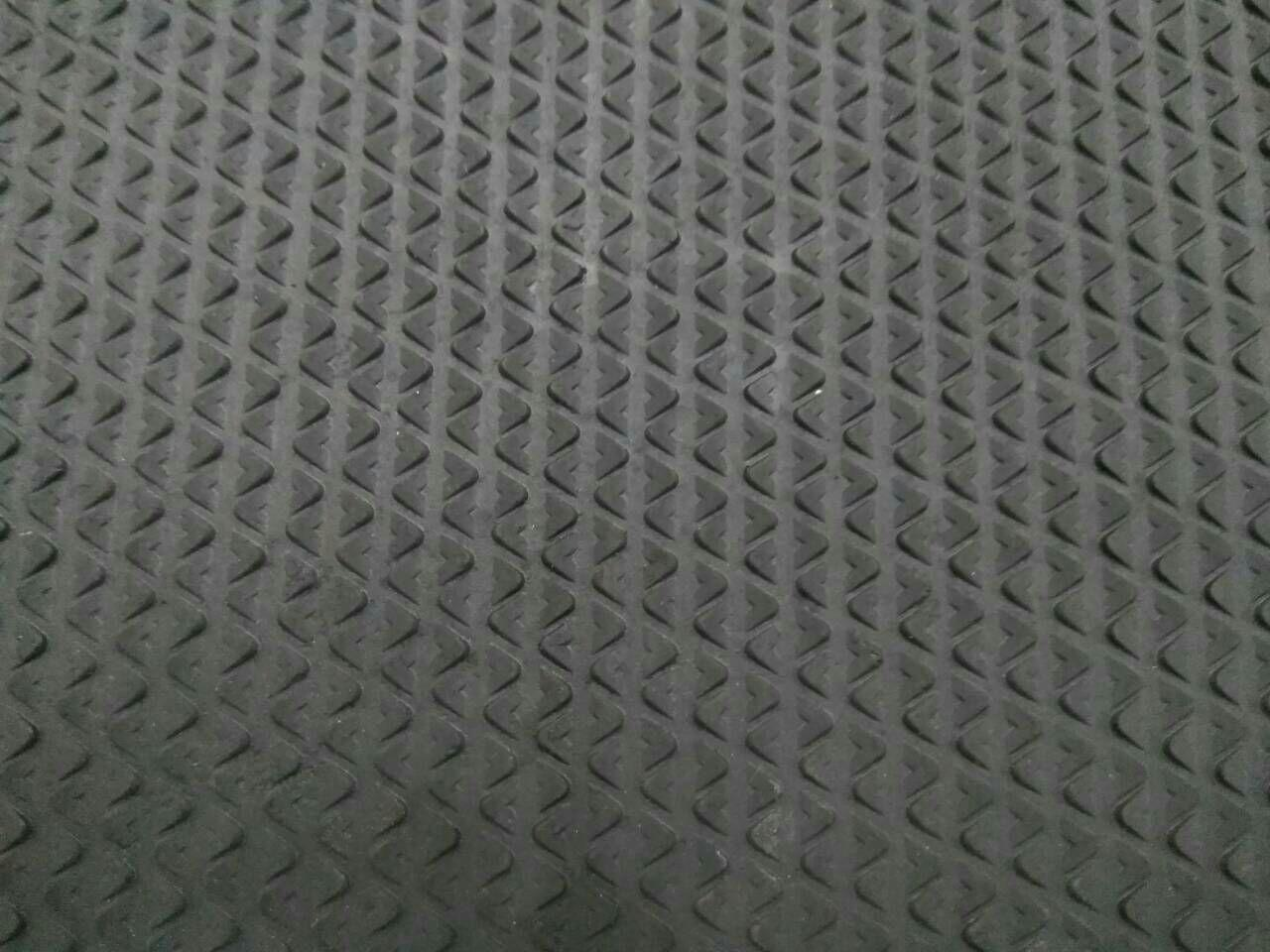 Гума профілактична 2 мм Трикутник 500x500 мм, кол. чорний