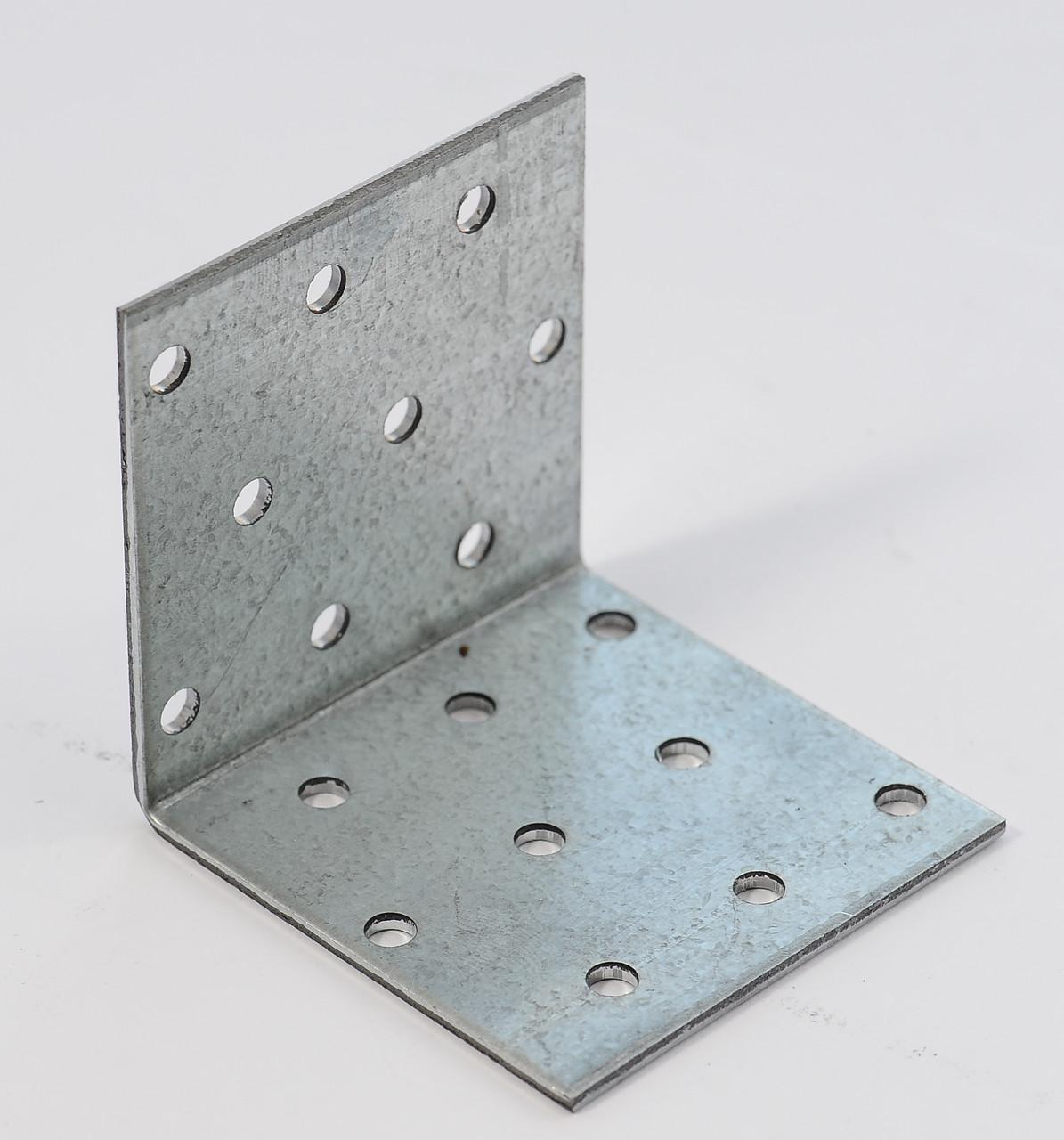 Уголок равносторонний 80х80х100 х 2,5 мм