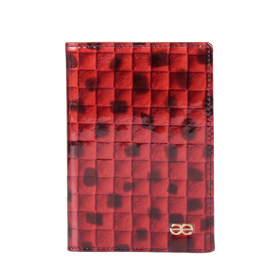 Обложка для паспорта с рисунком типа шахматной доски