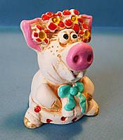 "Статуэтка ""Свинка с подарком"""