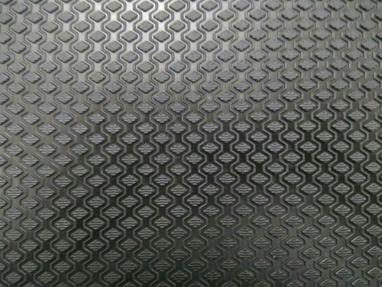 Гума набоєчна Ромб, 470x450х7 мм, кол. чорний