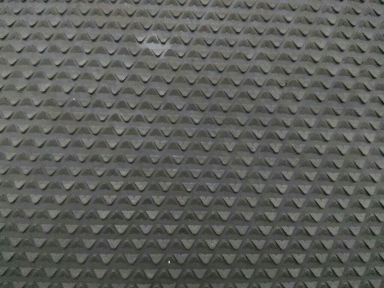 Резина набоечная Треугольник/Зима, 485x485х7 мм, цв. черный