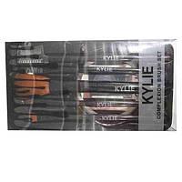 Кисточки KYLIE в пластиковой упаковке