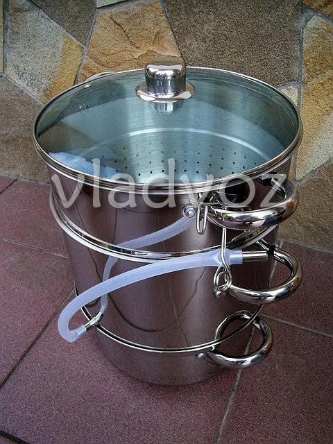 Соковарка помощница из нержавеющей стали на 8 литров