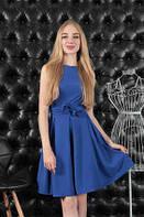 Летнее синее платье с облегающим верхом и пышной юбкой