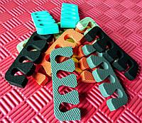 Растопырки для педикюра, разделители для пальцев ног при педикюре.