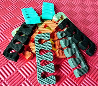Растопырки для педикюру, роздільники для пальців ніг при педикюрі.