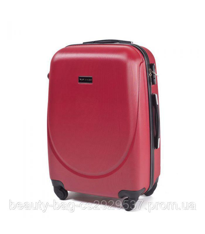 Чемодан пластиковый среднего размера Wings 310 1664 Midi красный