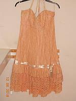Платье на бретелях из ткани-жатки