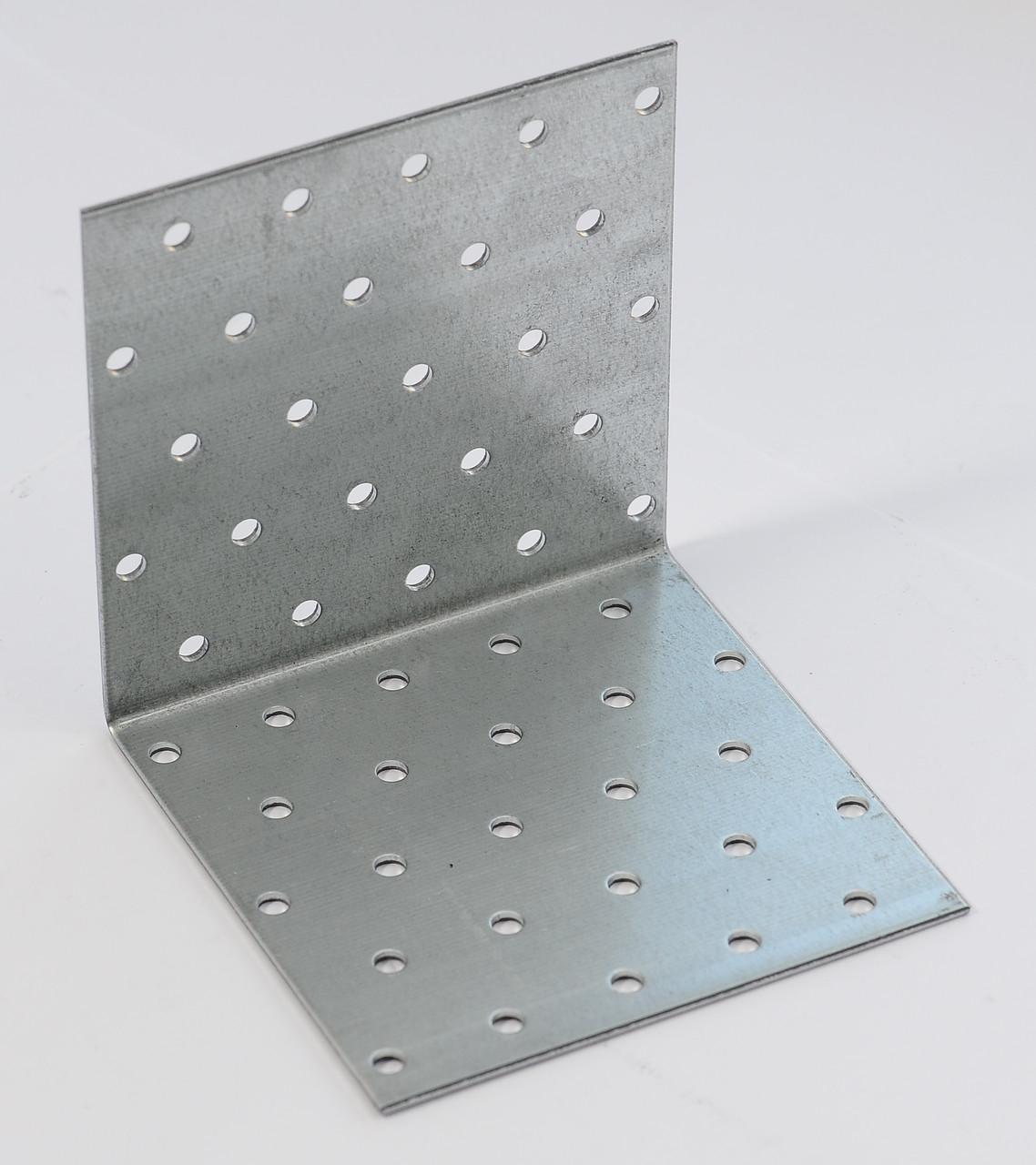 Уголок равносторонний 100х100х40 х 1,8 мм