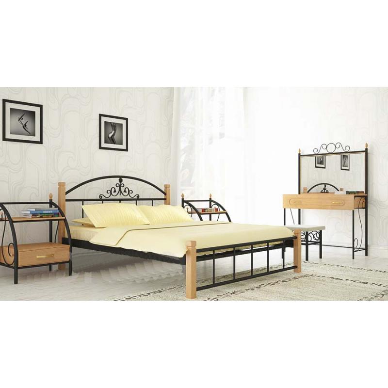 Металлическая кровать Кассандра на деревянных ножках