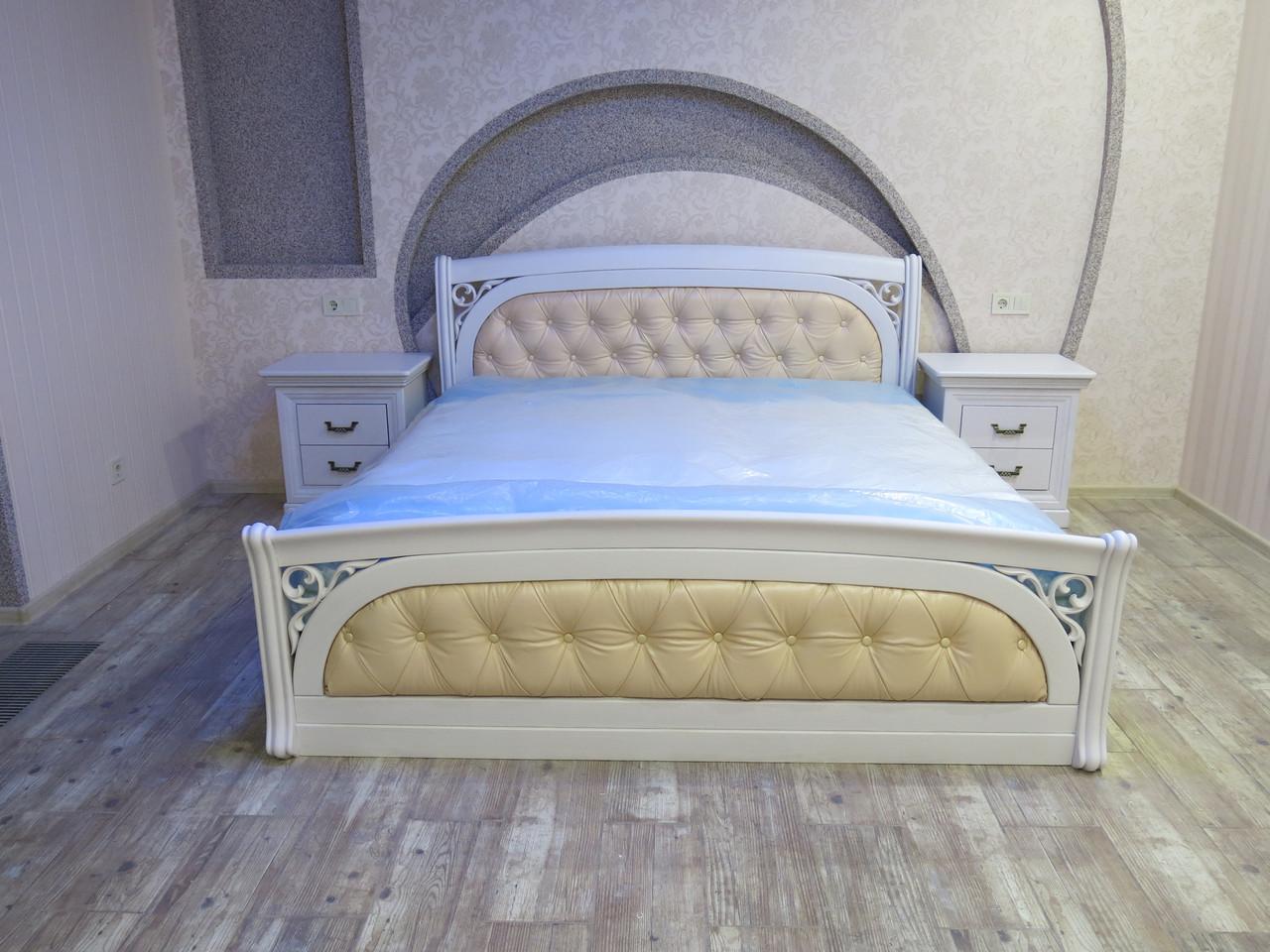 Деревянная кровать Лексус с мягким изголовьем