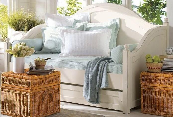 Деревянная кровать Ирида