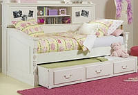 Деревянная кровать Бридпорт