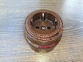 Розетка накладная с заземлением RE «Antic» керамическая коричневая