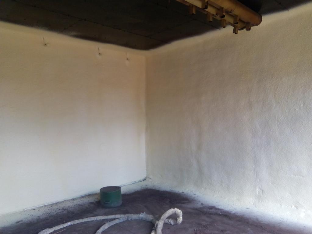 стены сушильной камеры для сушки древесины.