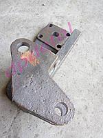 Кронштейн крепления гидроцилиндра подъема задней навески ЮМЗ 45-4605024-Б1-01
